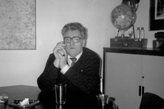 Wim Hoefakker senior in kantoor