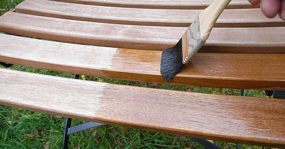 Hoefakker tuinonderhoud april tuinmeubelen schoonmaken en onderhouden